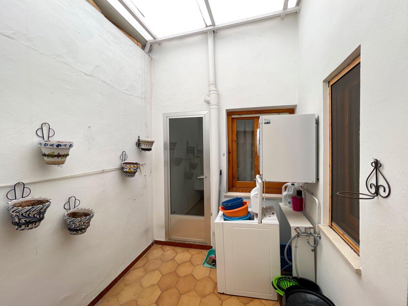 Magnifica casa con garaje en centro de onil - imagenInmueble20