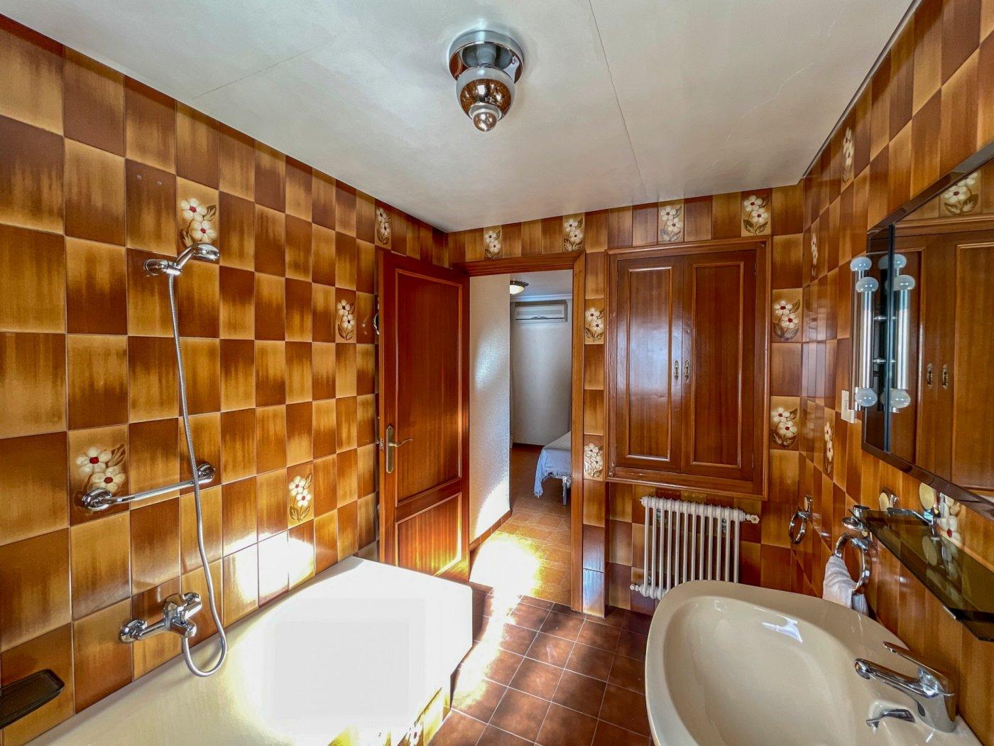Magnifica casa con garaje en centro de onil - imagenInmueble24