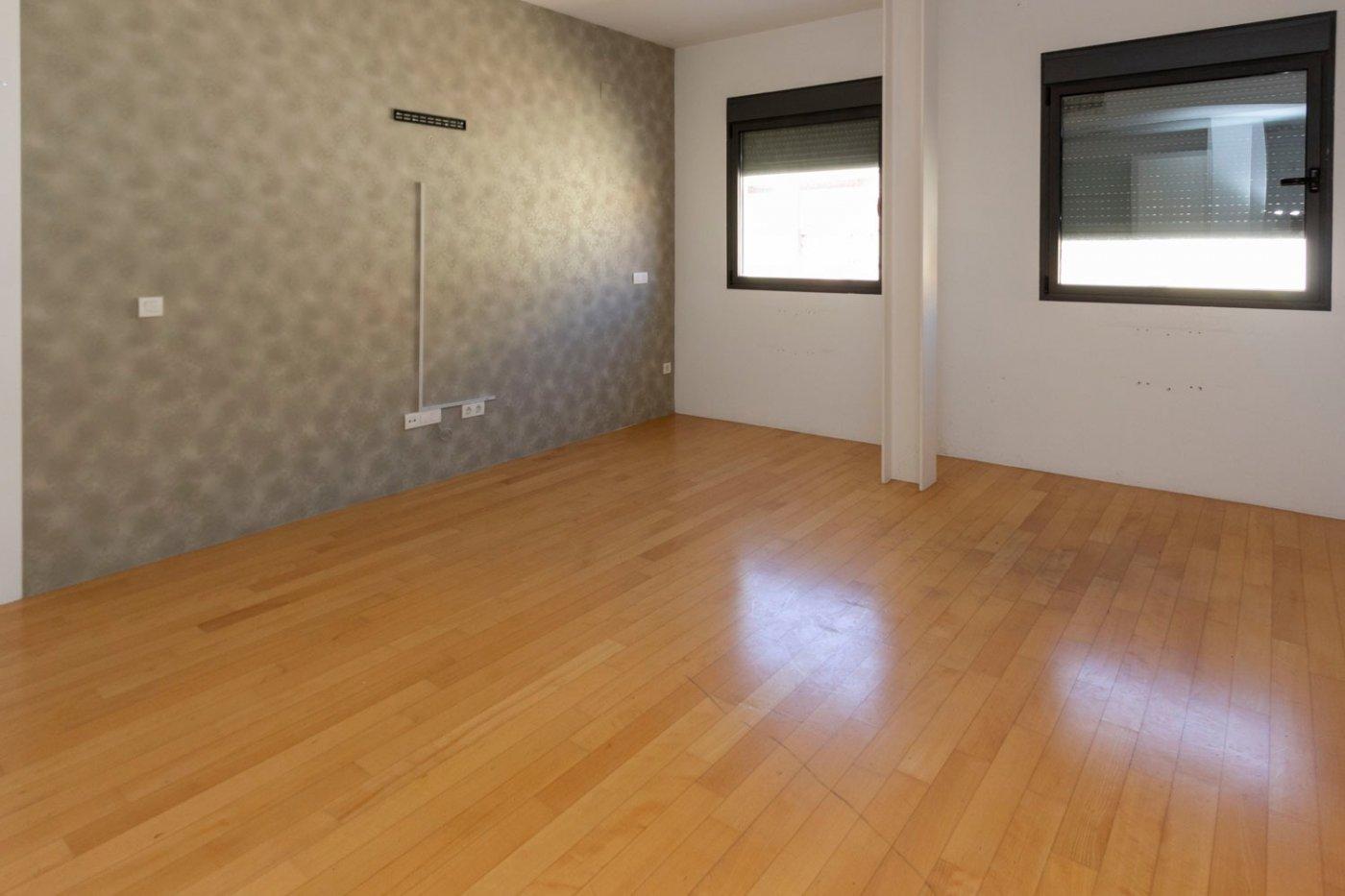 Piso de dos dormitorios de reciente construcción en zona centro de castalla - imagenInmueble0