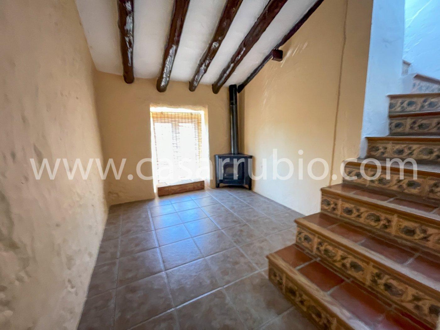 Estupenda casa reformada y con terraza en onil !! - imagenInmueble17