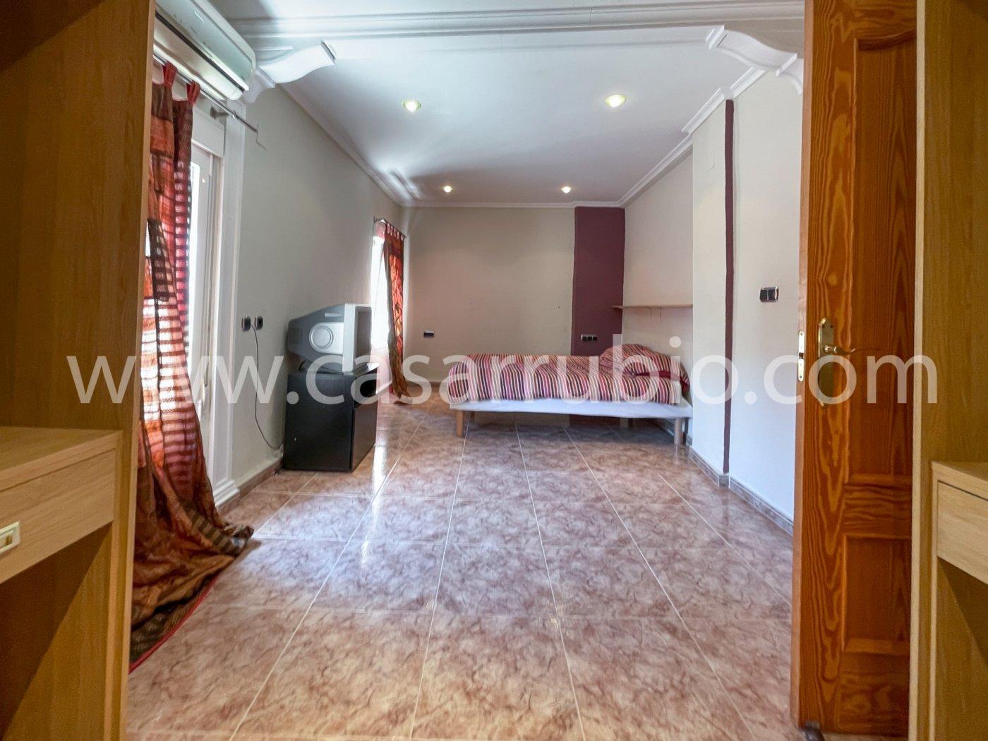 Estupenda casa reformada y con terraza en onil !! - imagenInmueble5