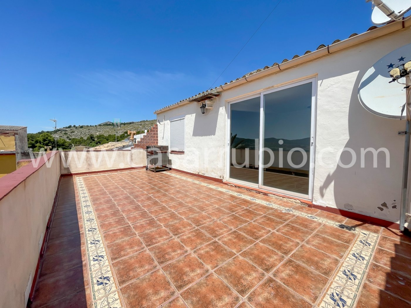 Estupenda casa reformada y con terraza en onil !! - imagenInmueble8