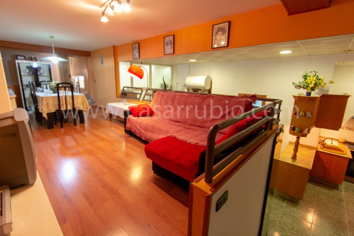 Local disponible en zona del centro, ideal para peluquerÍa!! - imagenInmueble10