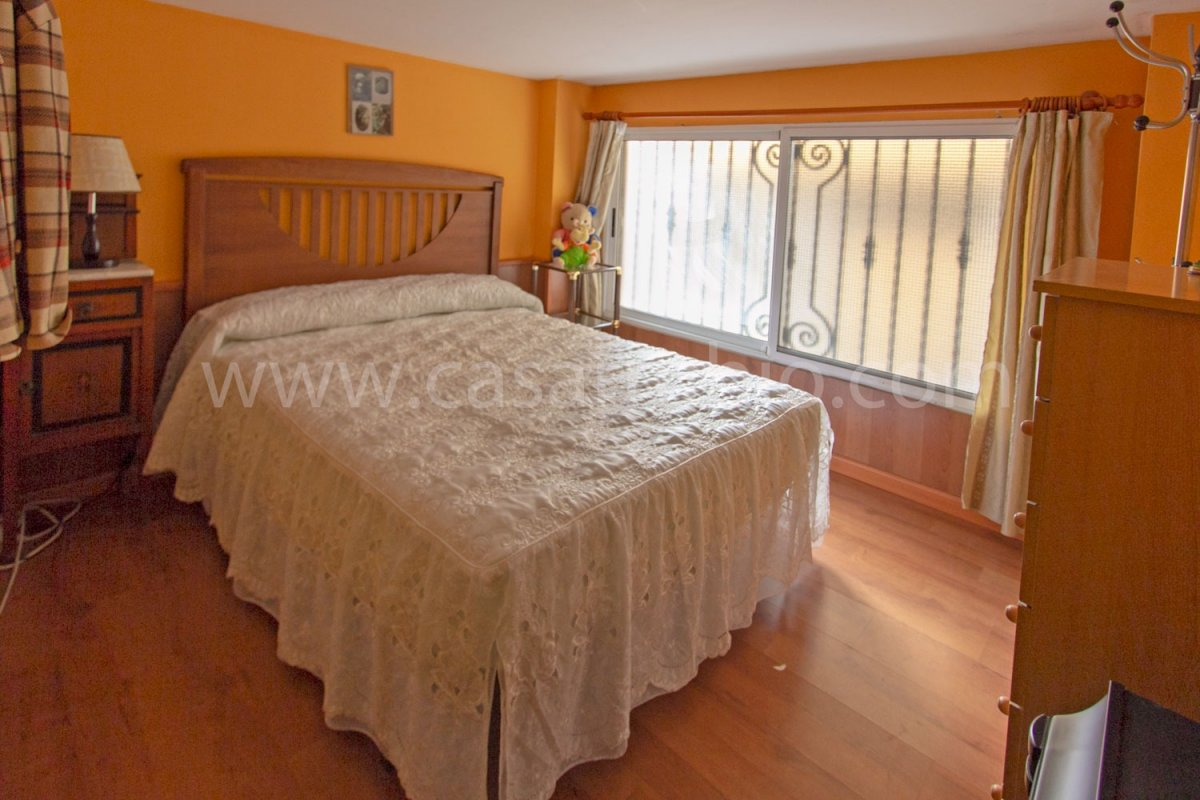 Local disponible en zona del centro, ideal para peluquerÍa!! - imagenInmueble12