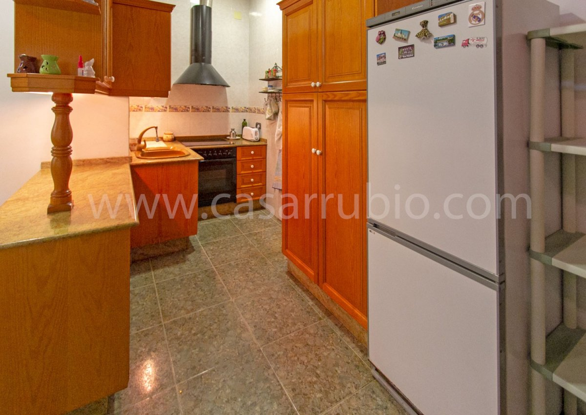 Local disponible en zona del centro, ideal para peluquerÍa!! - imagenInmueble4