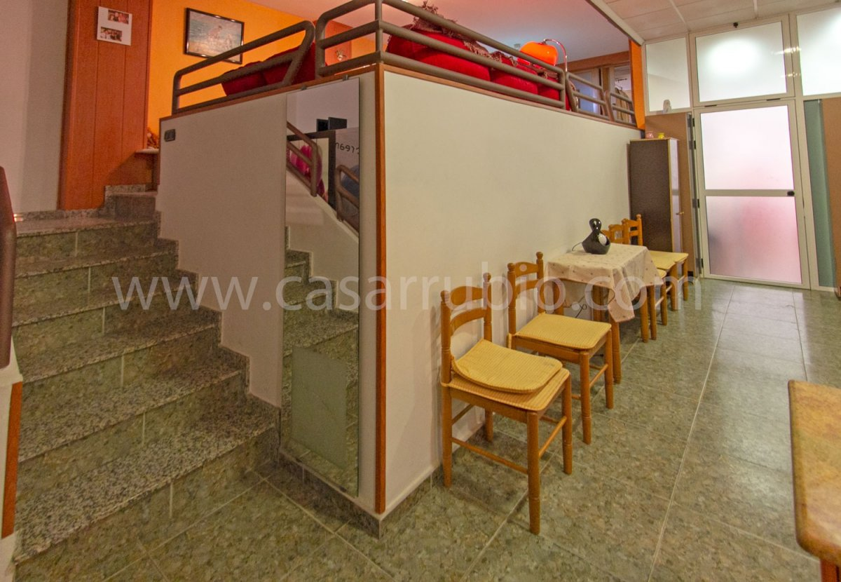 Local disponible en zona del centro, ideal para peluquerÍa!! - imagenInmueble5