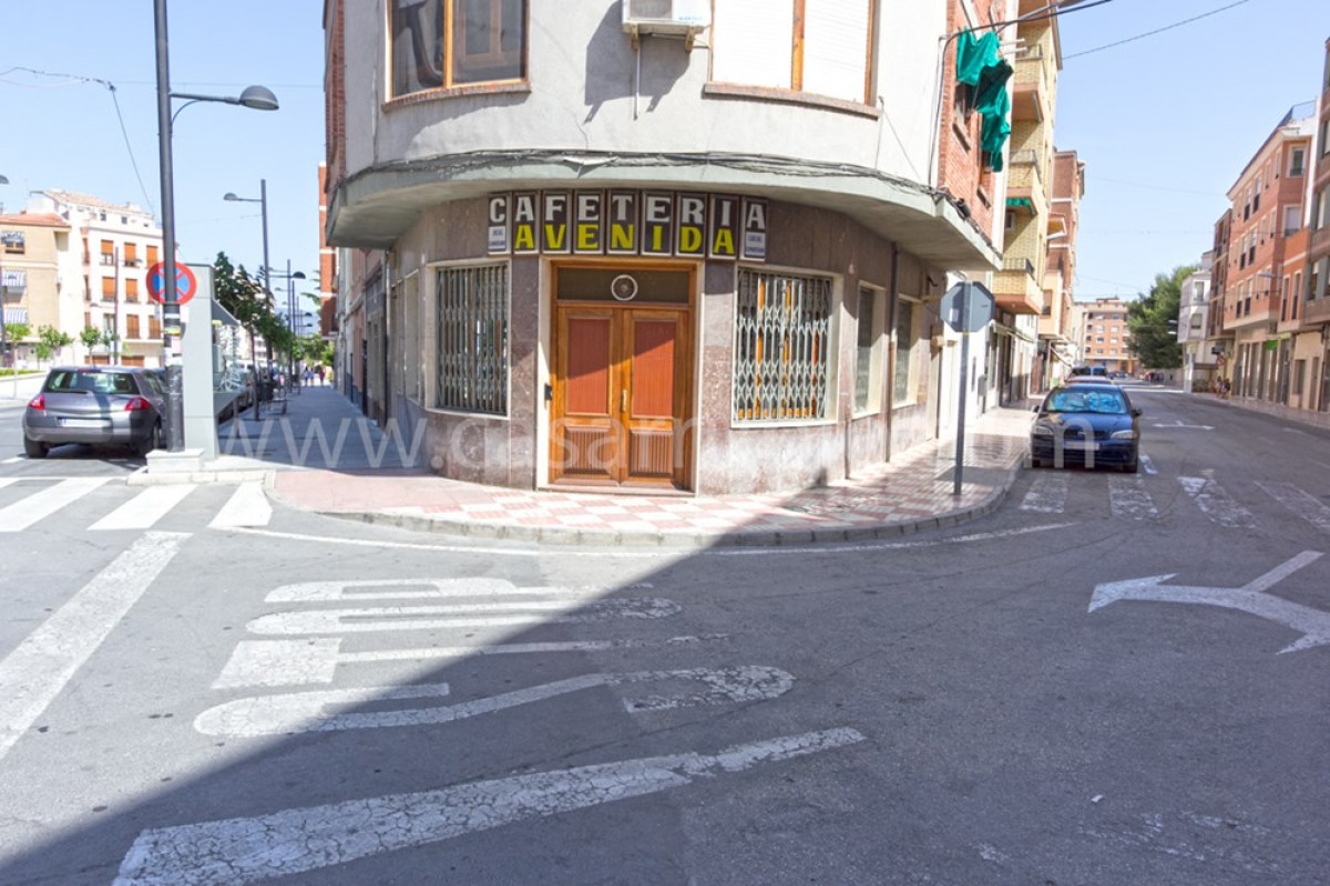 Venta de local comercial en castalla - imagenInmueble1