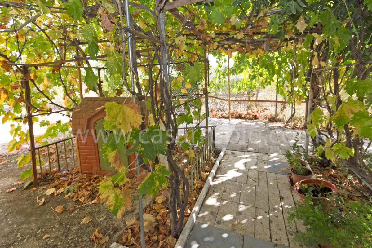 Venta de casa de campo en castalla - imagenInmueble24