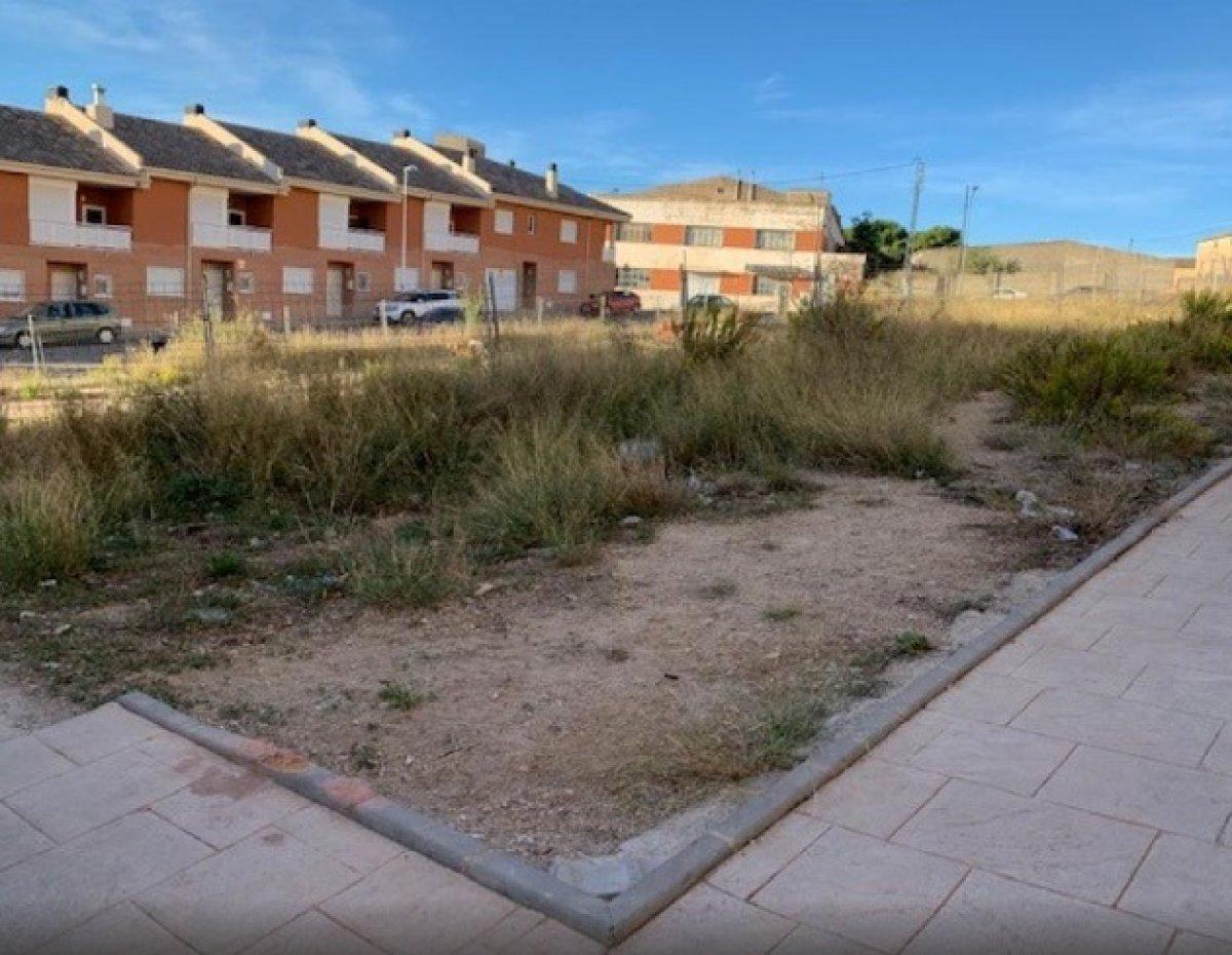 Solar para edificar en zona residencial de onil - imagenInmueble1