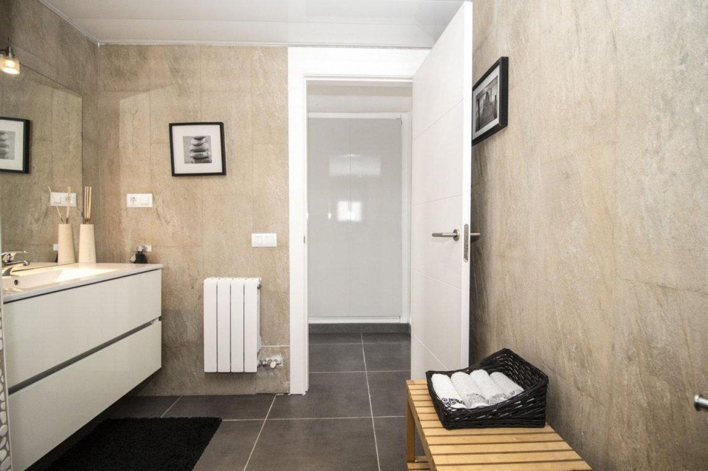 Casa exclusiva con piscina - imagenInmueble23