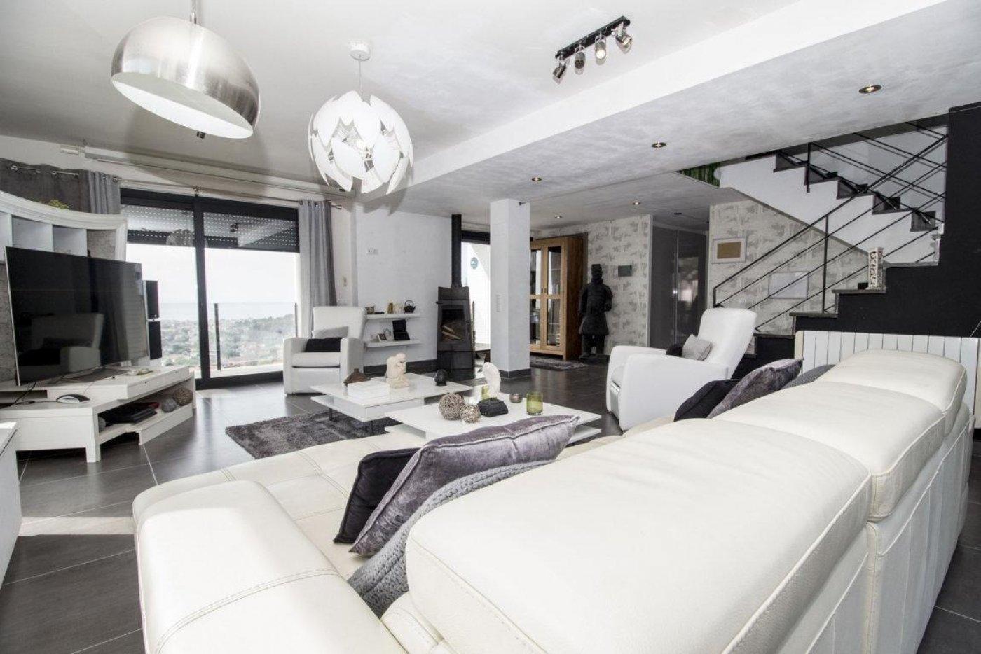Casa exclusiva con piscina - imagenInmueble4