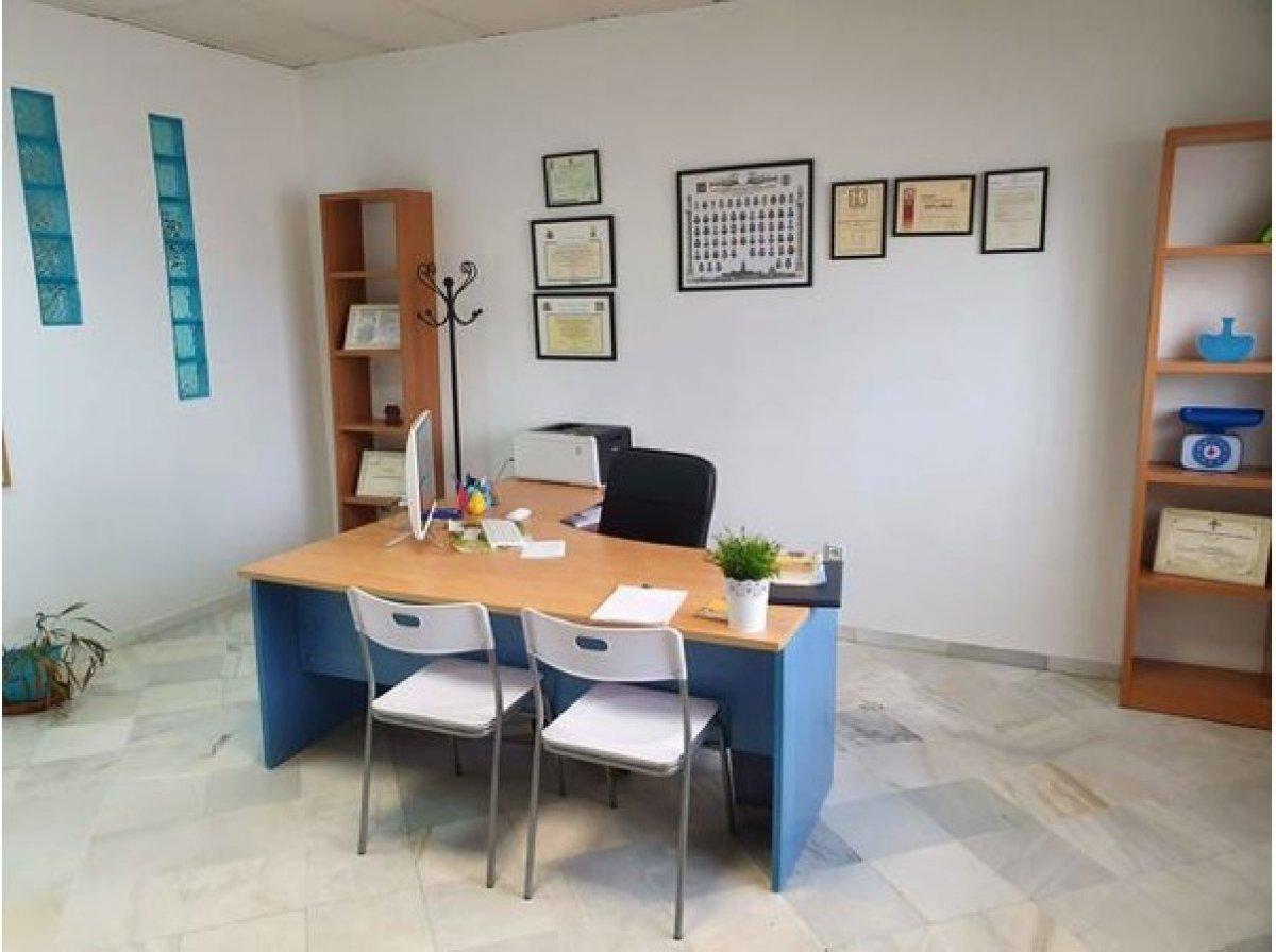oficina en montequinto · centro 300€