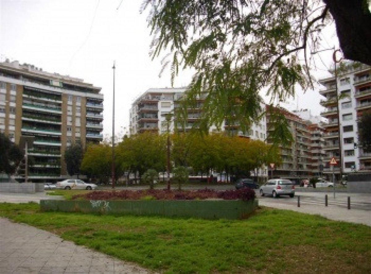 local-comercial en sevilla · plaza-de-cuba---republica-argentina 1500€