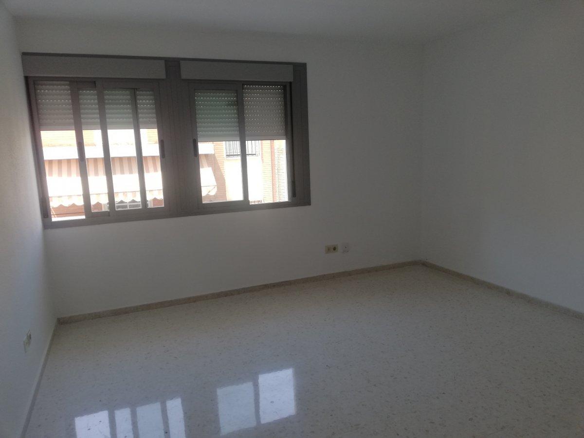 piso en sevilla · nervion 850€