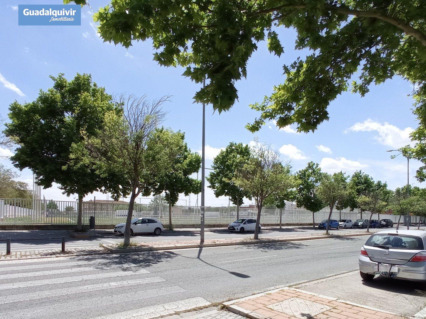 Local Comercial · Sevilla · Palmete-Padre Pío-Hacienda San Antonio 75.000€€