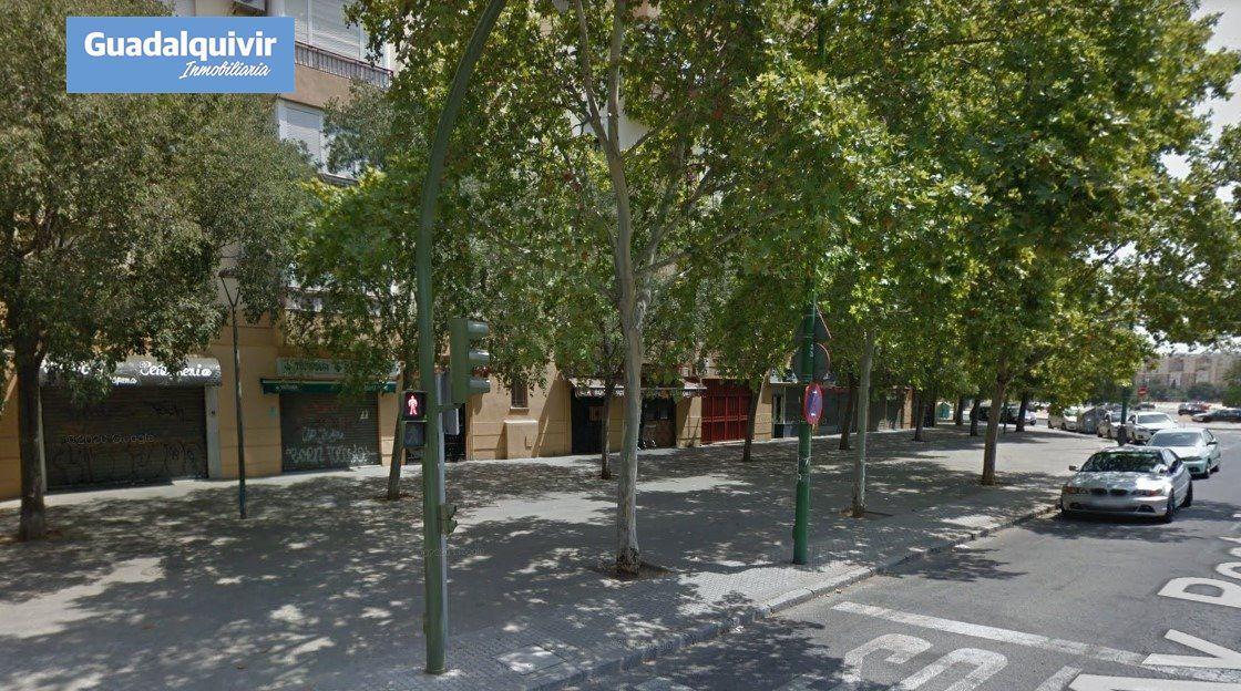 local-comercial en sevilla · su-eminencia---la-oliva 130000€