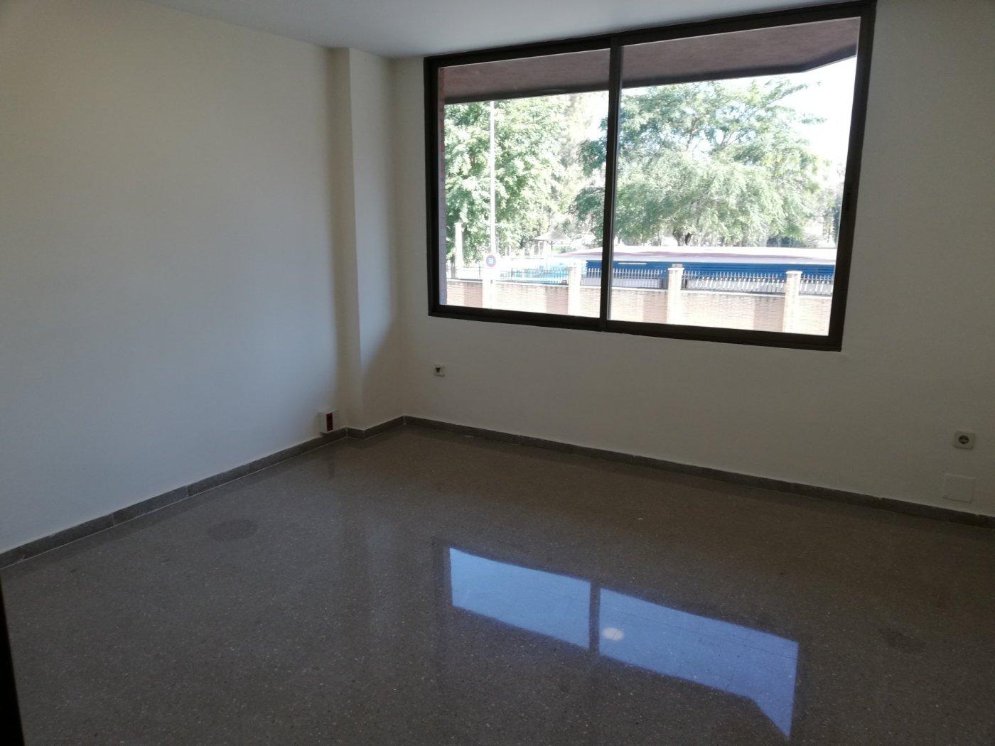 oficina en sevilla · plaza-de-cuba---republica-argentina 425€