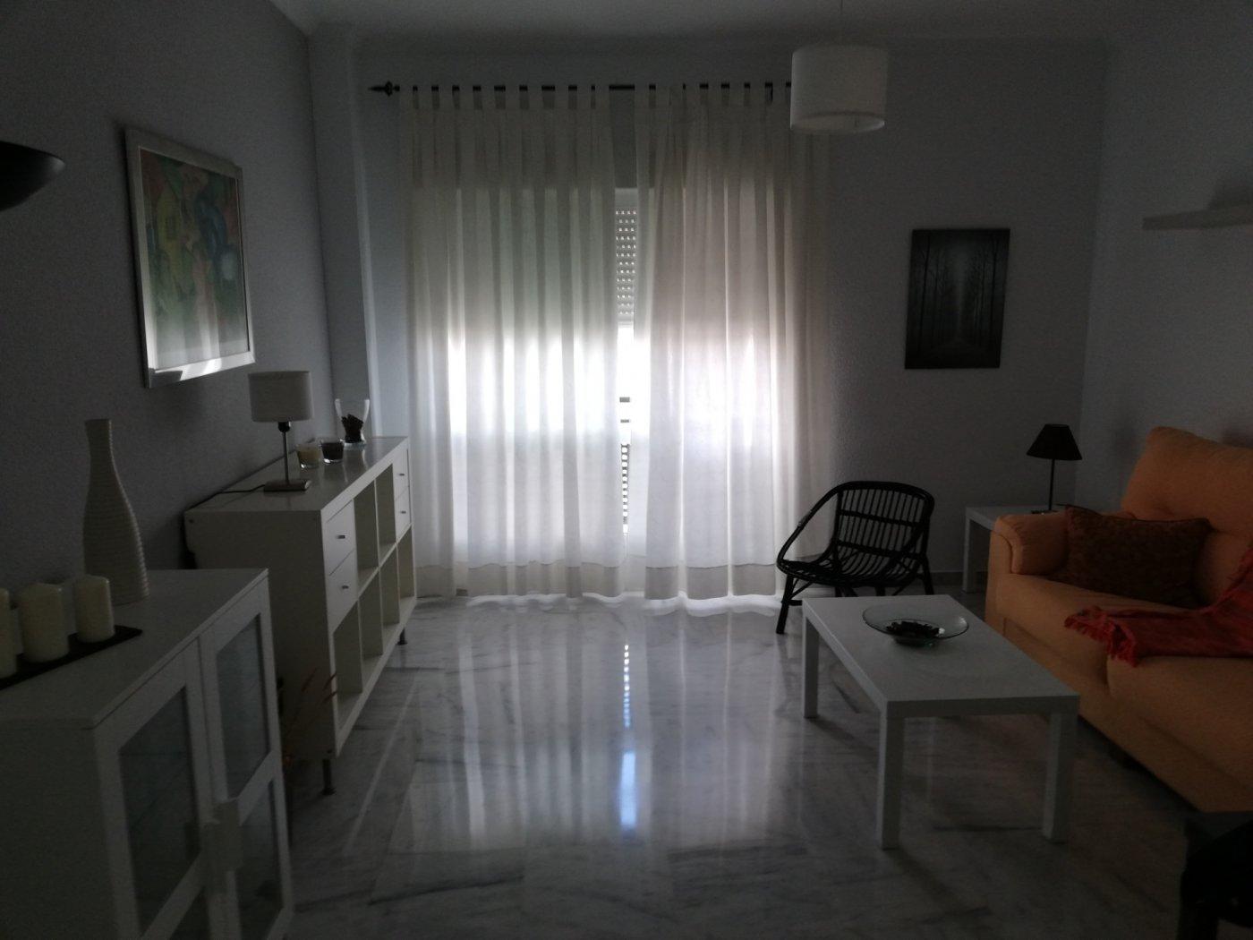 Flat for rent in Arroyo - Santa Justa, Sevilla