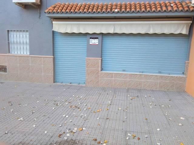 local-comercial en montequinto · centro 350€