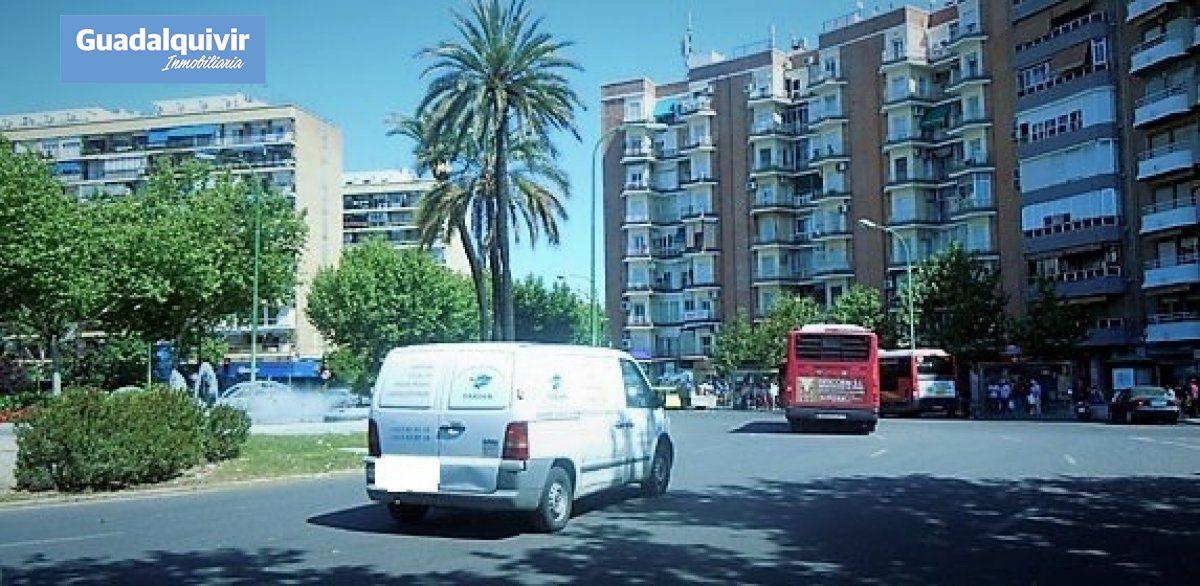 local-comercial en sevilla · gran-plaza-marques-de-pickman-ramon-y-c 450€
