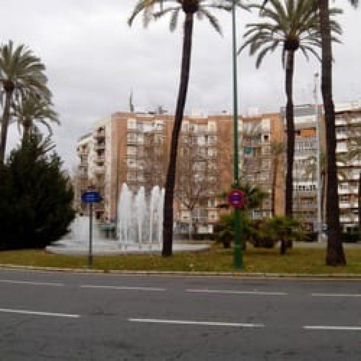 edificio en sevilla · gran-plaza-marques-de-pickman-ramon-y-c 499000€