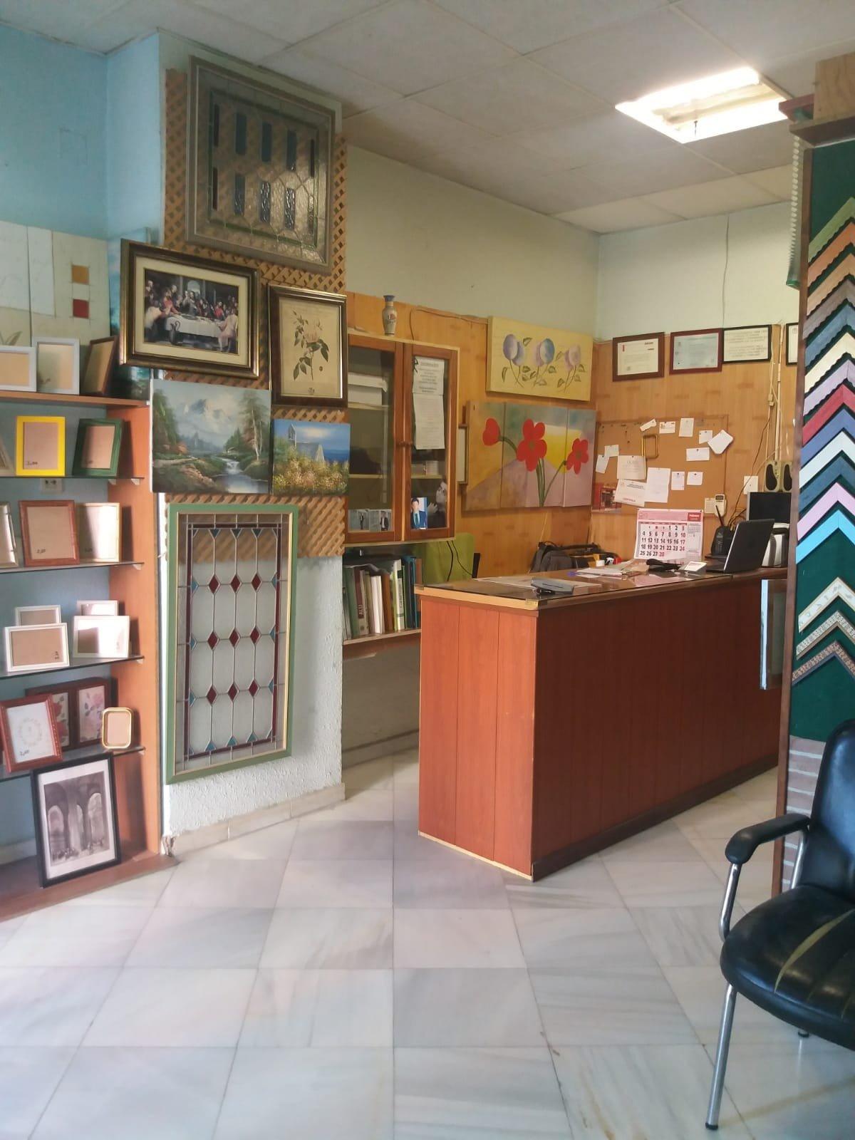 local-comercial en montequinto · centro 450€