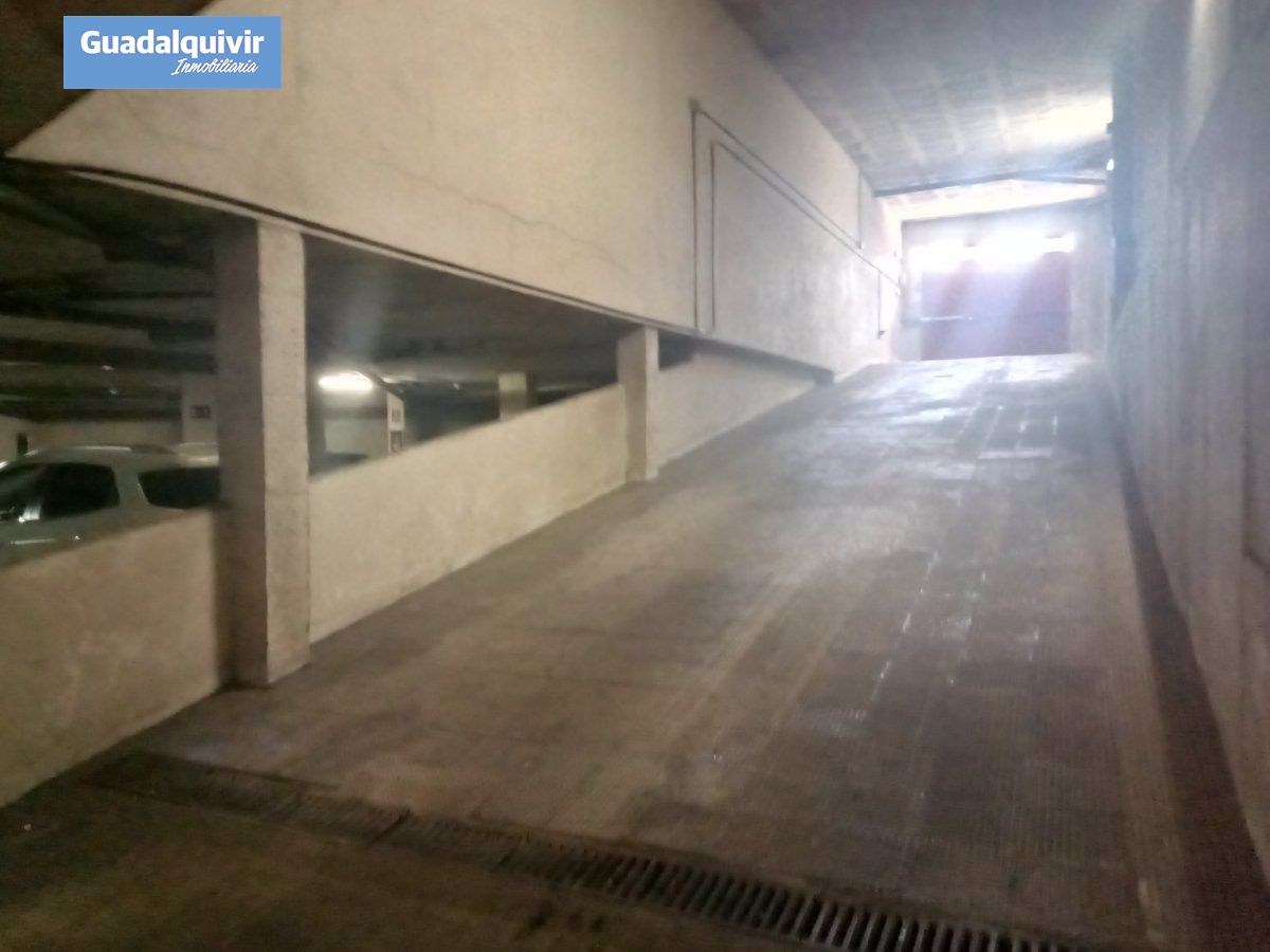 garaje en montequinto · centro 17500€