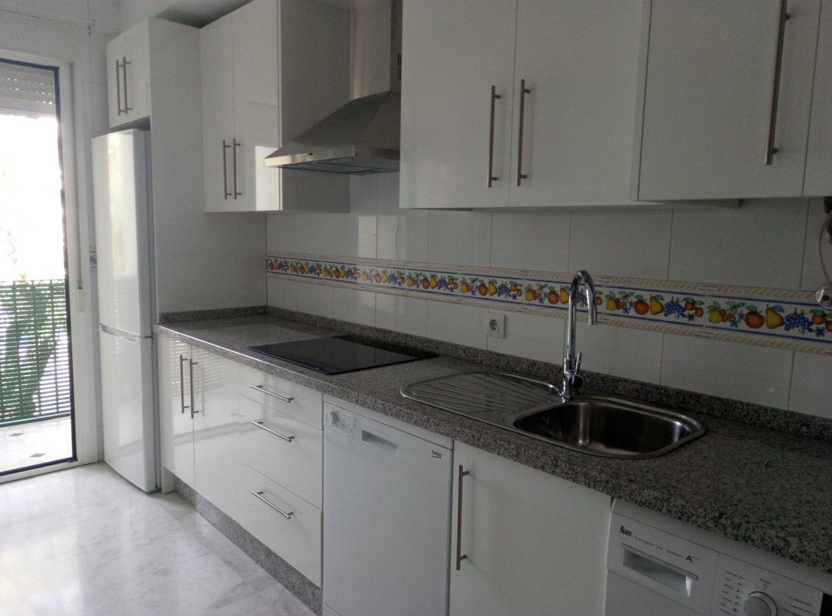 piso en sevilla · cerro-del-aguila 750€