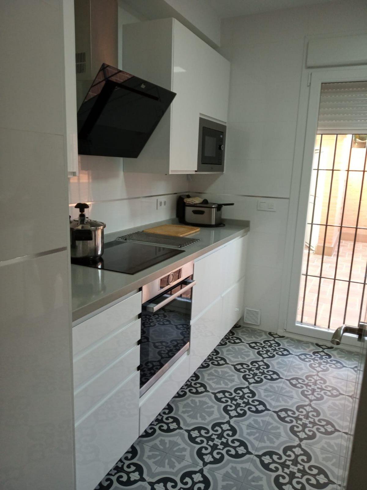 adosado en montequinto · zona-avenida-de-europa 243000€
