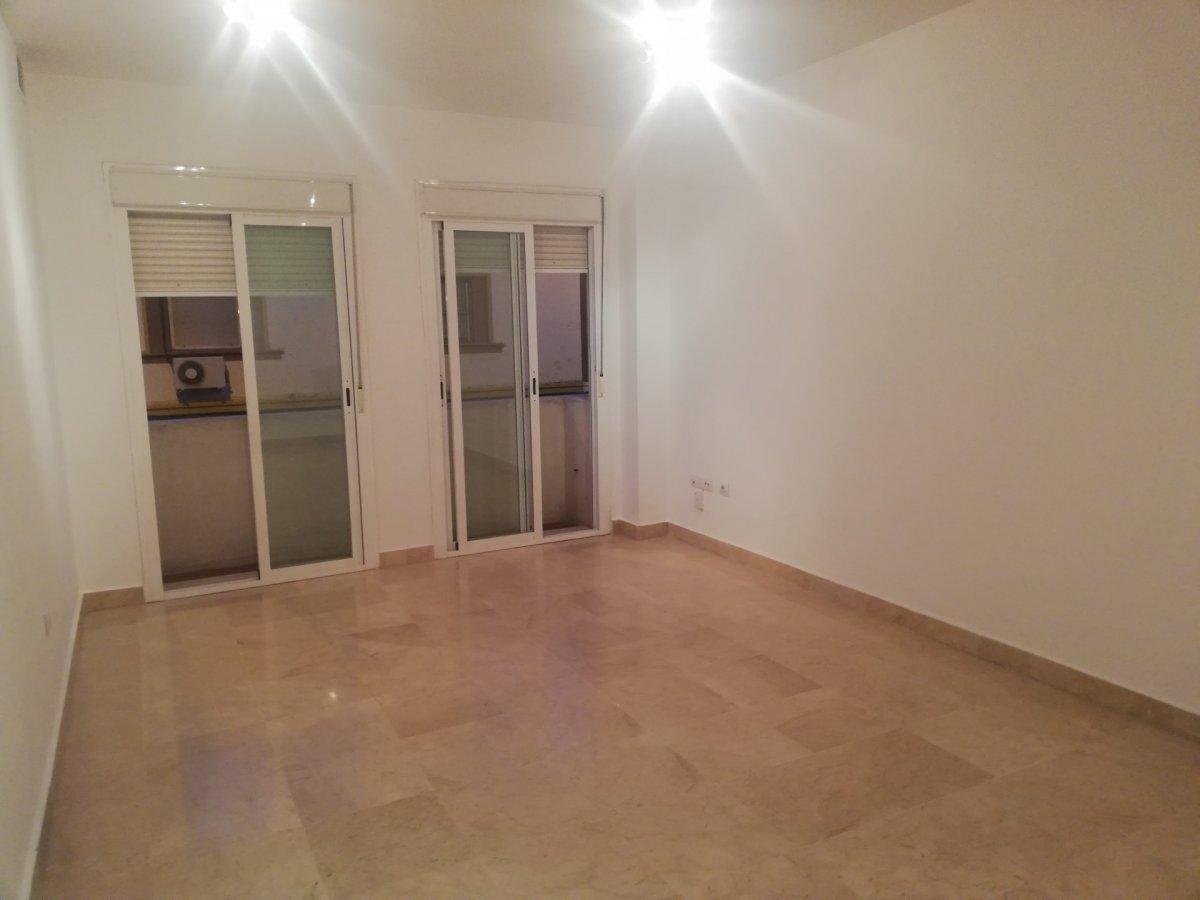 piso en sevilla · plaza-de-cuba---republica-argentina 900€