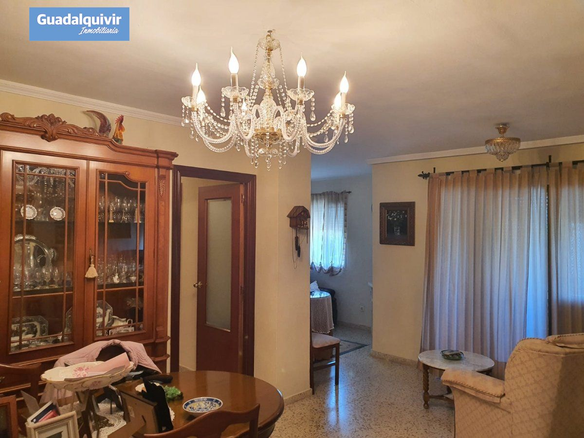 piso en montequinto · centro 130000€