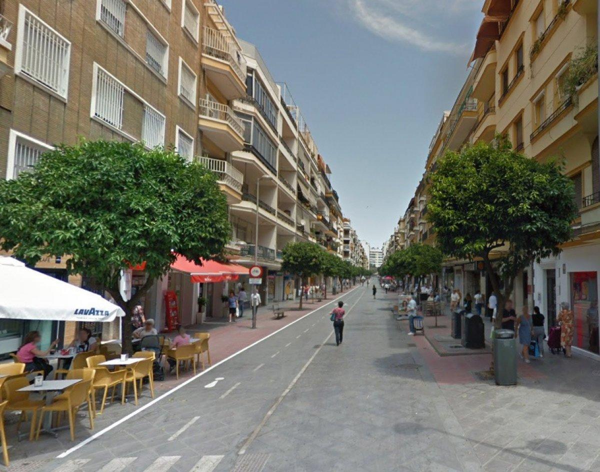 local-comercial en sevilla · plaza-de-cuba---republica-argentina 3200€