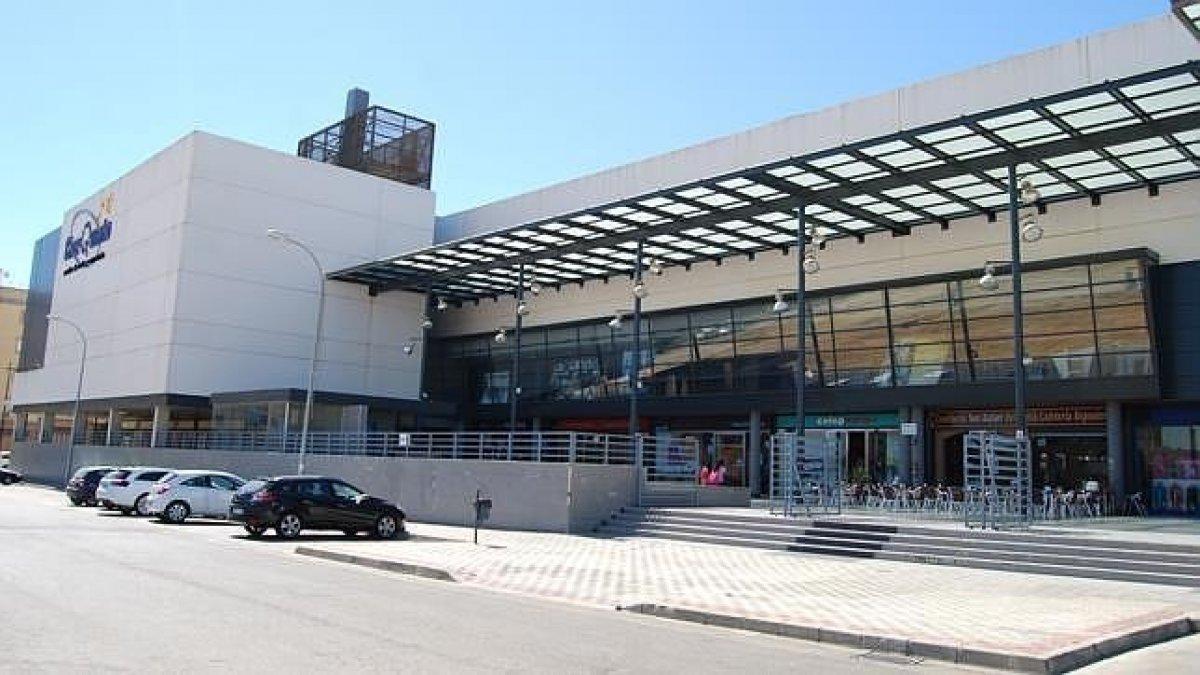 local-comercial en montequinto · centro 64000€