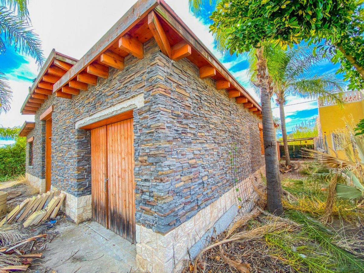 Casa de 120 m2 sobre parcela rústica de 1600 m2 a reformar. - imagenInmueble0