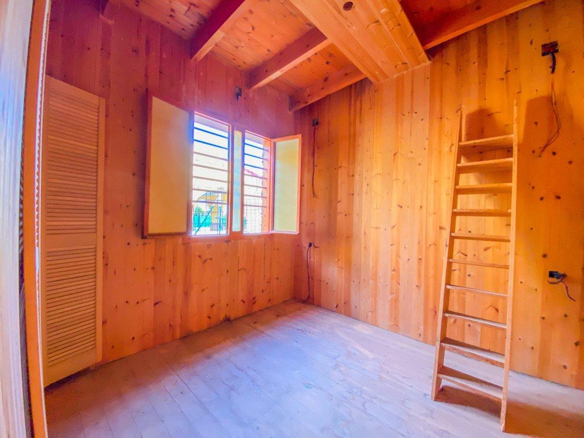 Casa de 120 m2 sobre parcela rústica de 1600 m2 a reformar. - imagenInmueble11