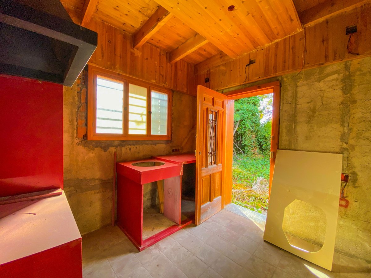 Casa de 120 m2 sobre parcela rústica de 1600 m2 a reformar. - imagenInmueble16