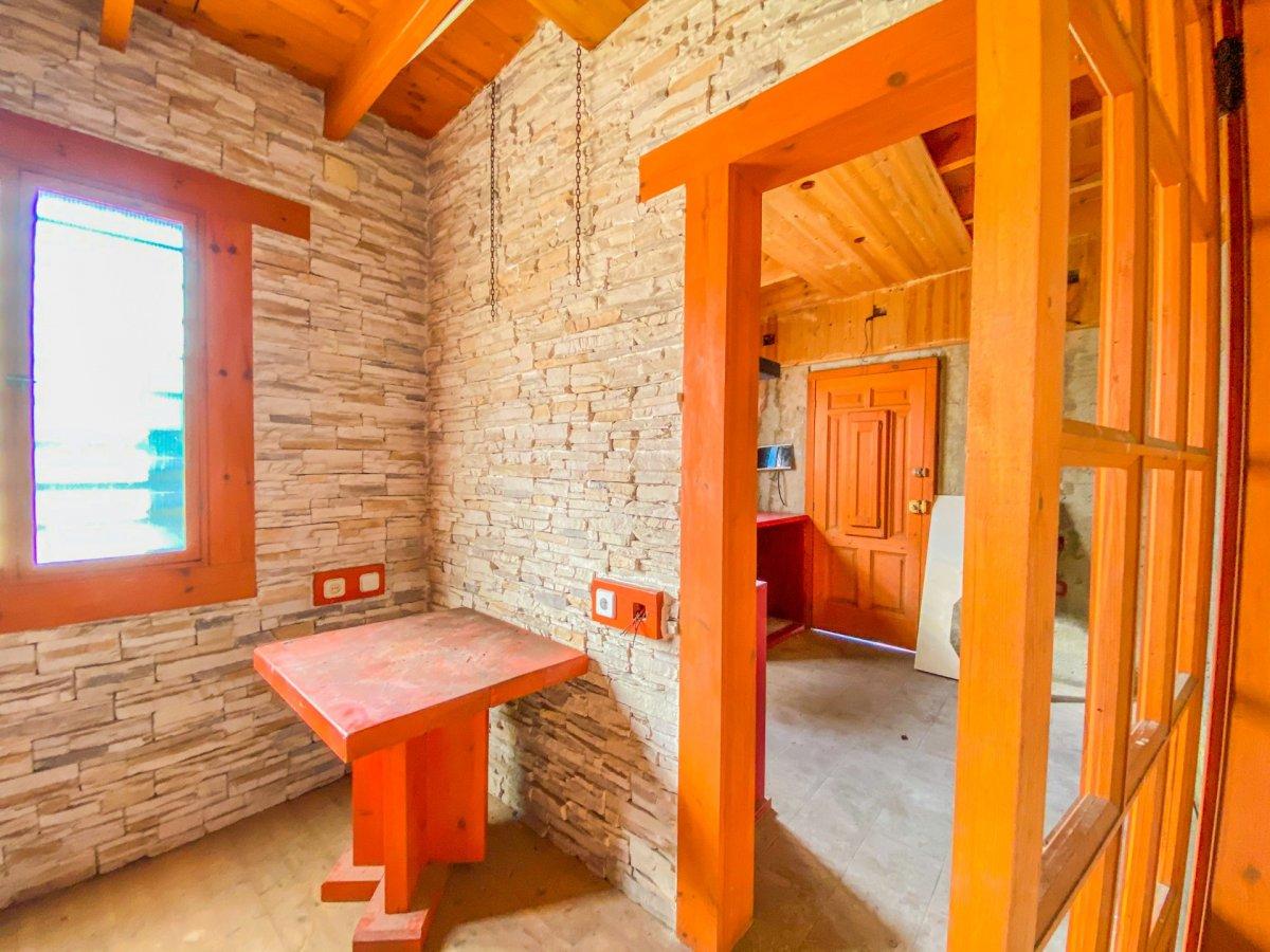 Casa de 120 m2 sobre parcela rústica de 1600 m2 a reformar. - imagenInmueble18