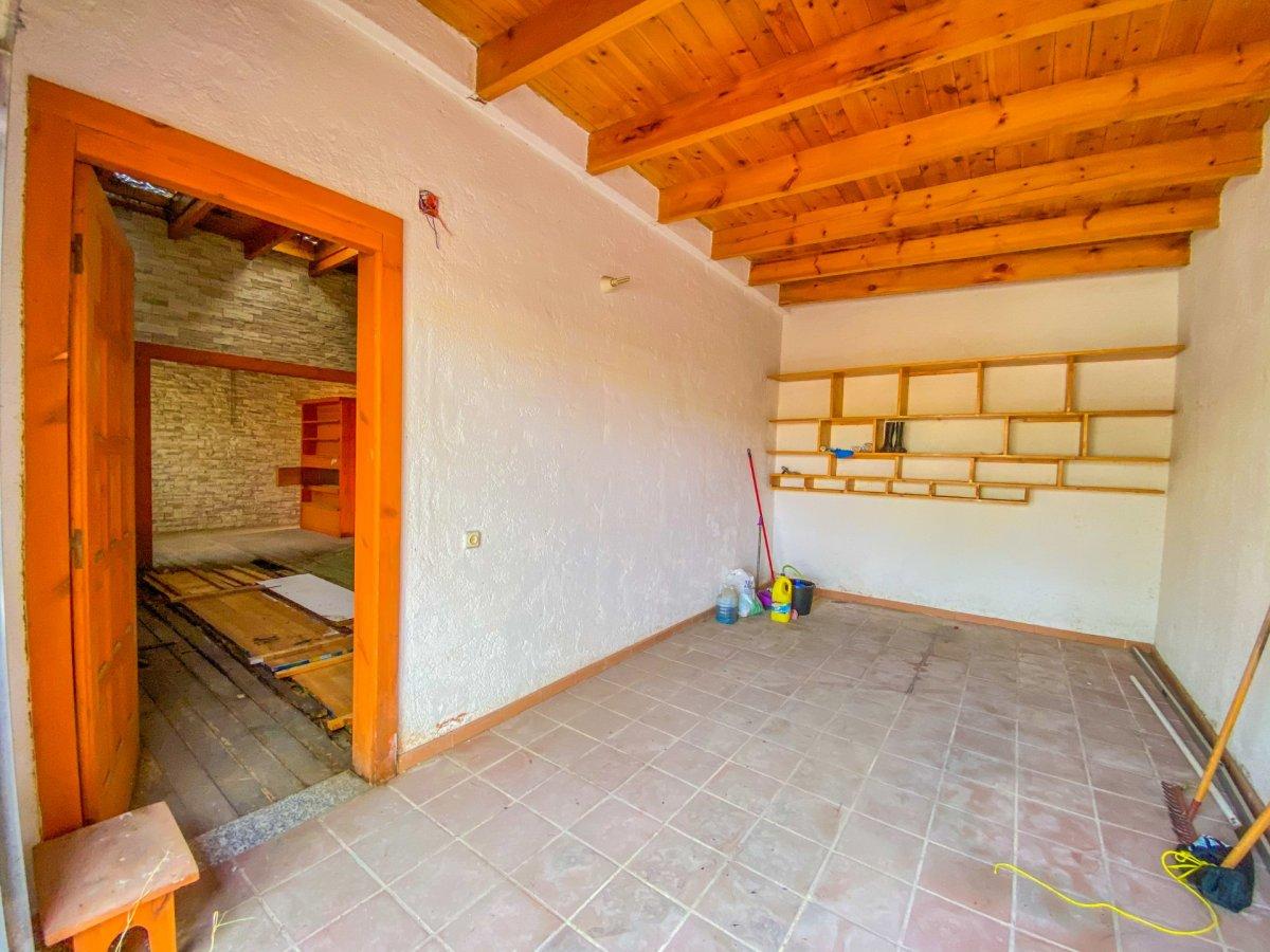 Casa de 120 m2 sobre parcela rústica de 1600 m2 a reformar. - imagenInmueble26