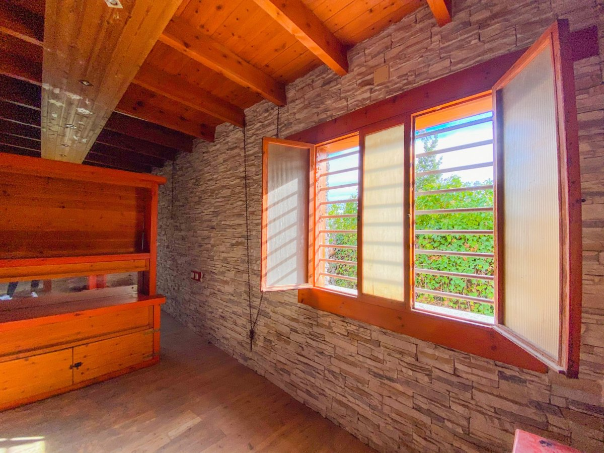 Casa de 120 m2 sobre parcela rústica de 1600 m2 a reformar. - imagenInmueble8
