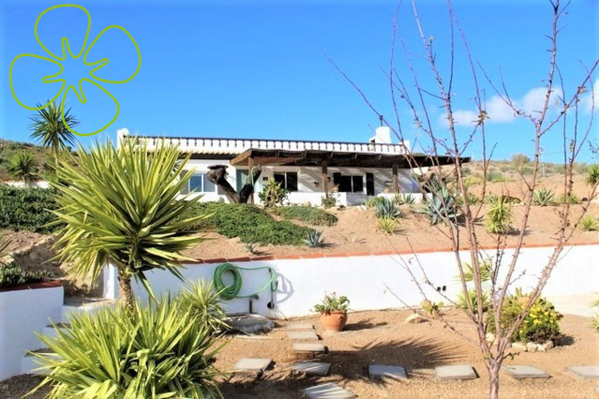 Ref:00951-6080 cortijo For Sale in Oria