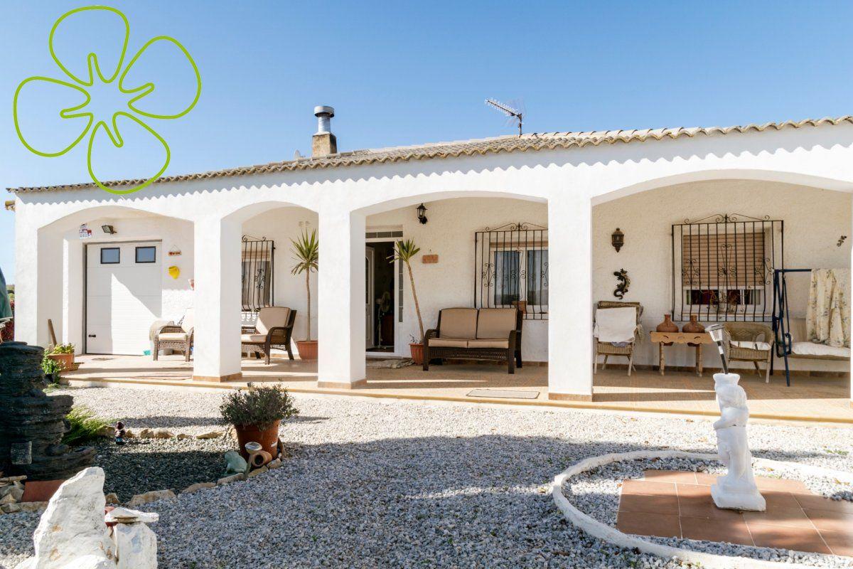 00610-6080: Villa in Chirivel