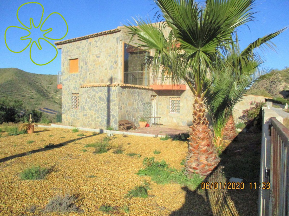Ref:00727-6080 Villa For Sale in Albanchez