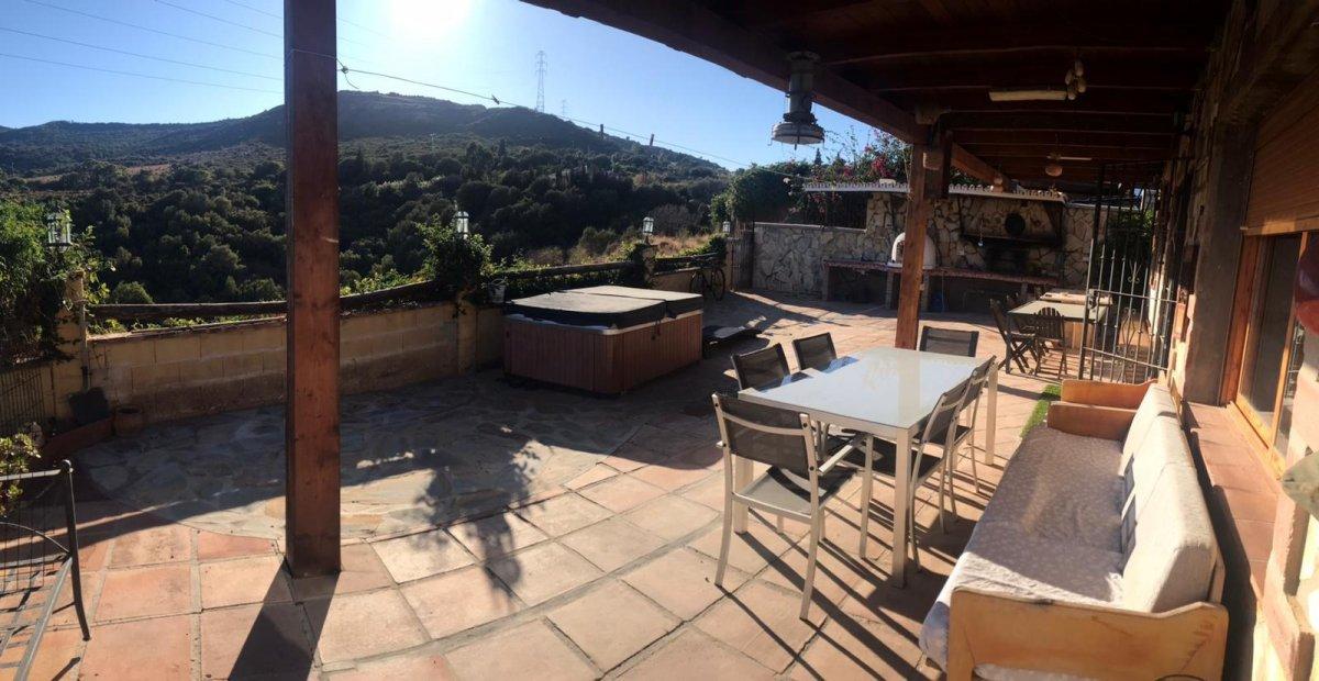 Casa en venta en Pedregales, Estepona