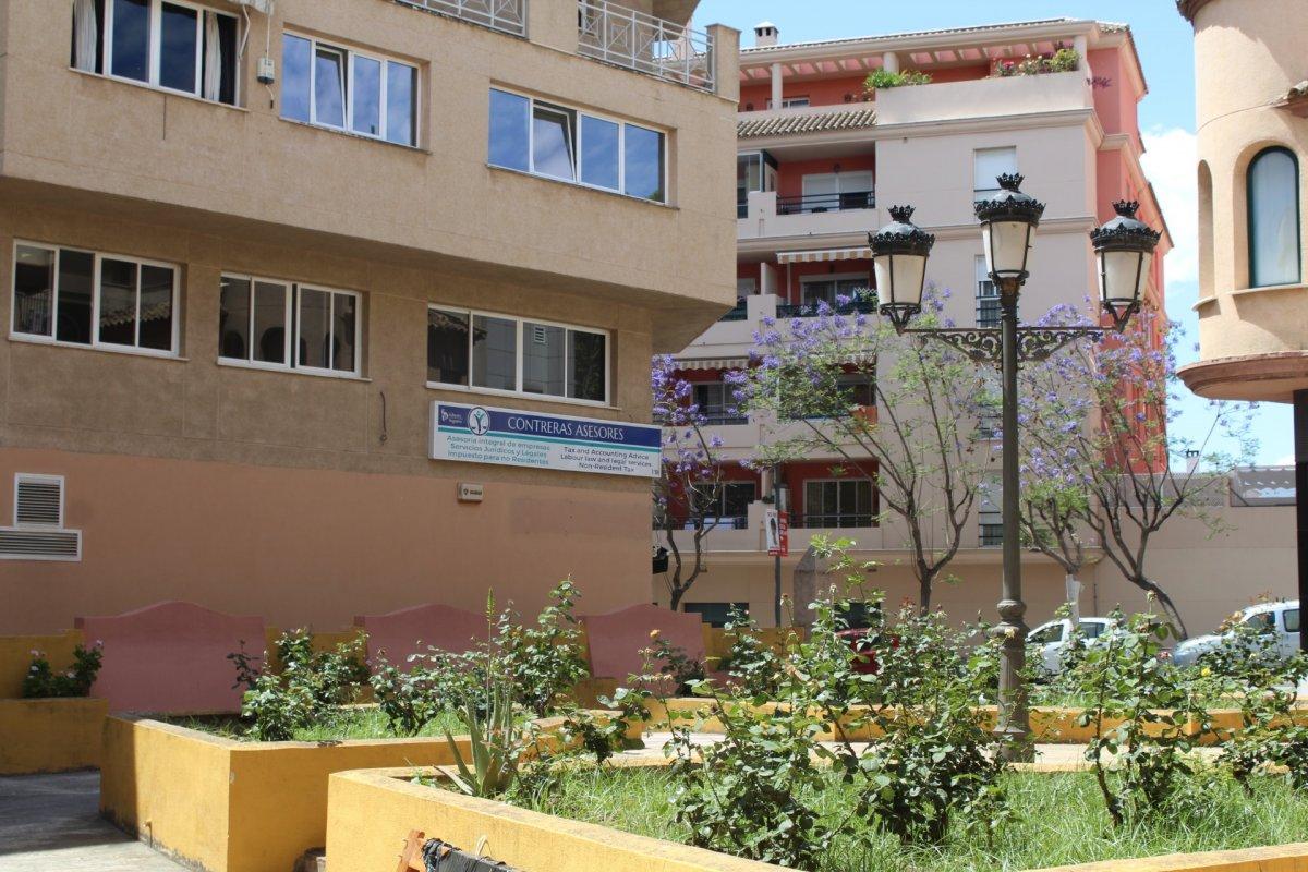Edificio en alquiler en Av Andalucia, Estepona