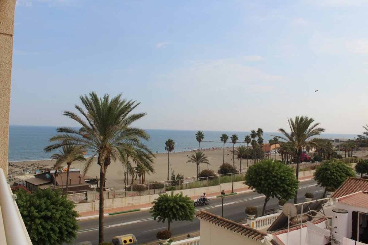 Flat for rent in 1º lÍnea de playa, Estepona