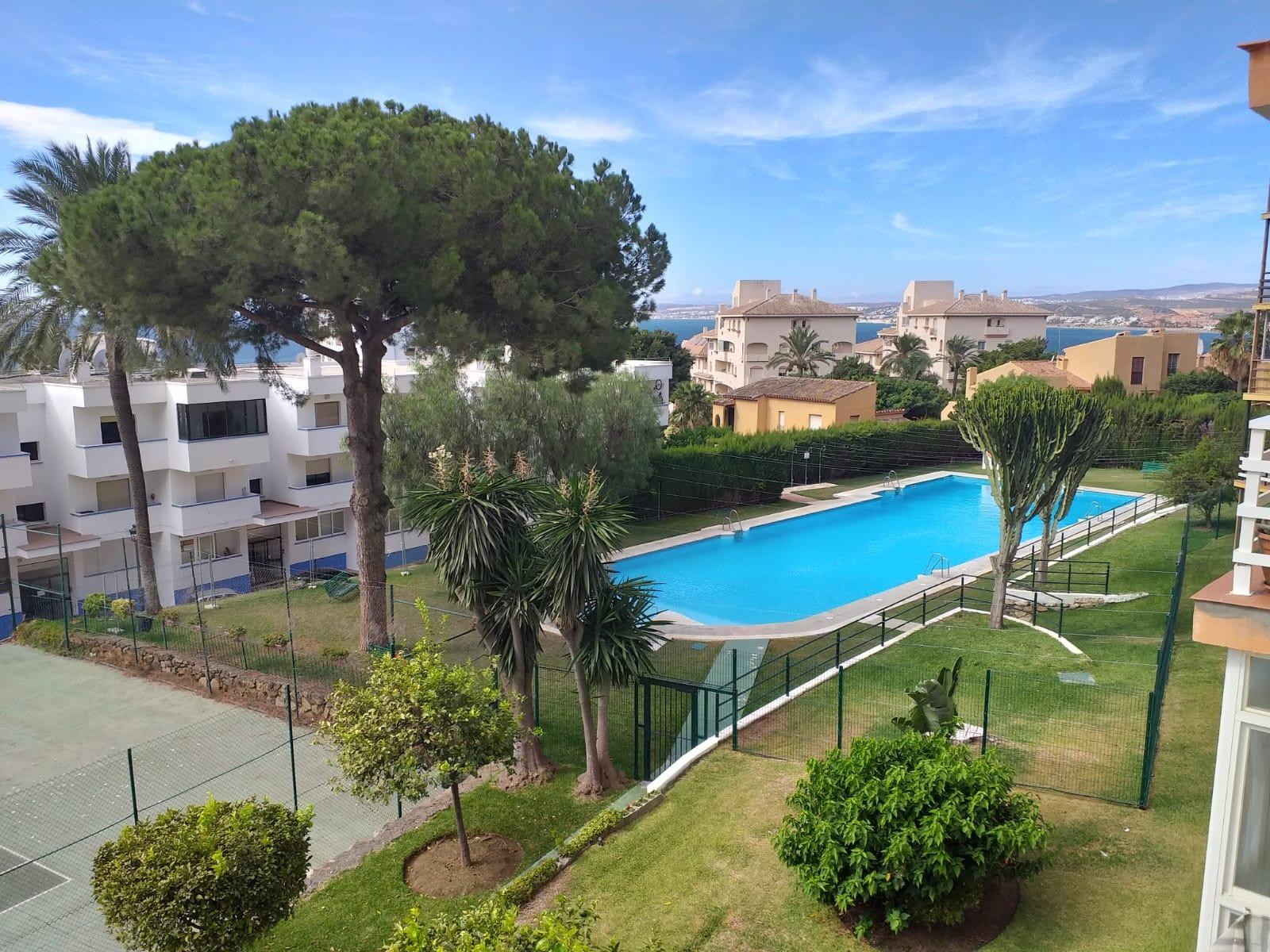 Apartamento en alquiler en Puerto De Estepona, Estepona