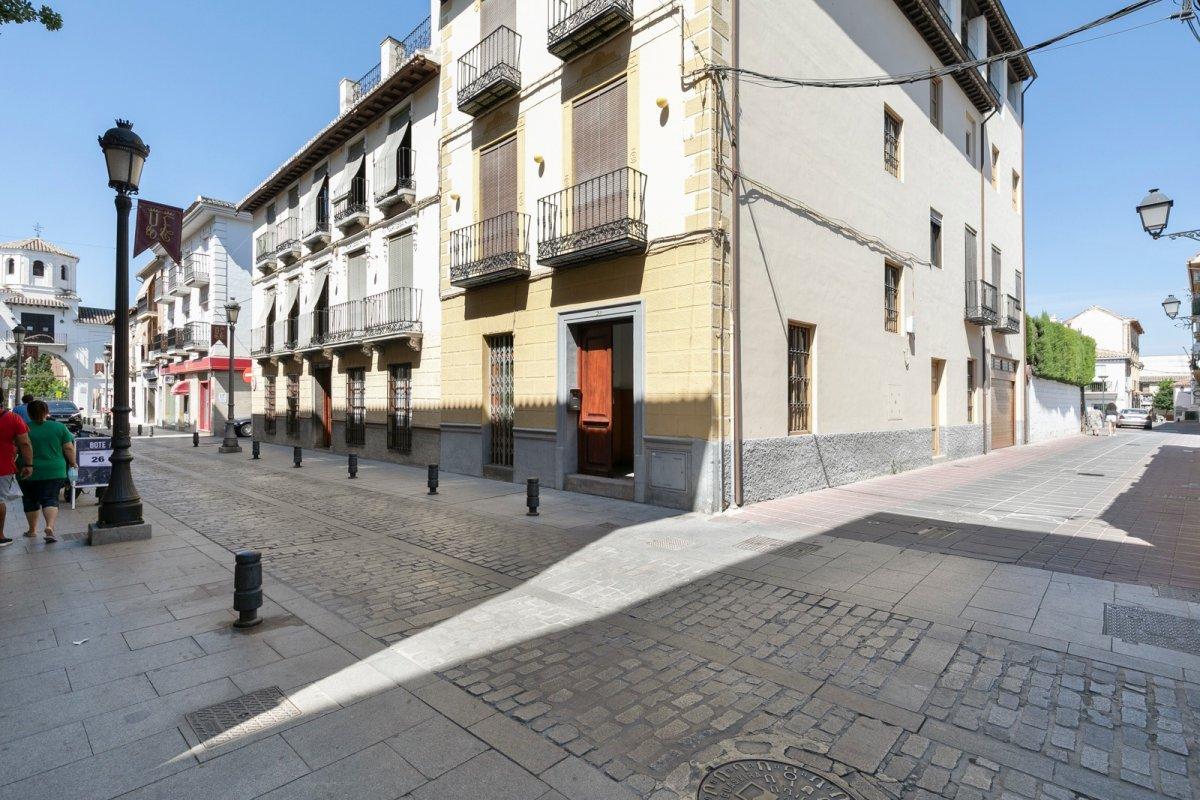 GRAN CASA A LA VENTA EN PLENA CALLE REAL DE SANTA FE, Granada