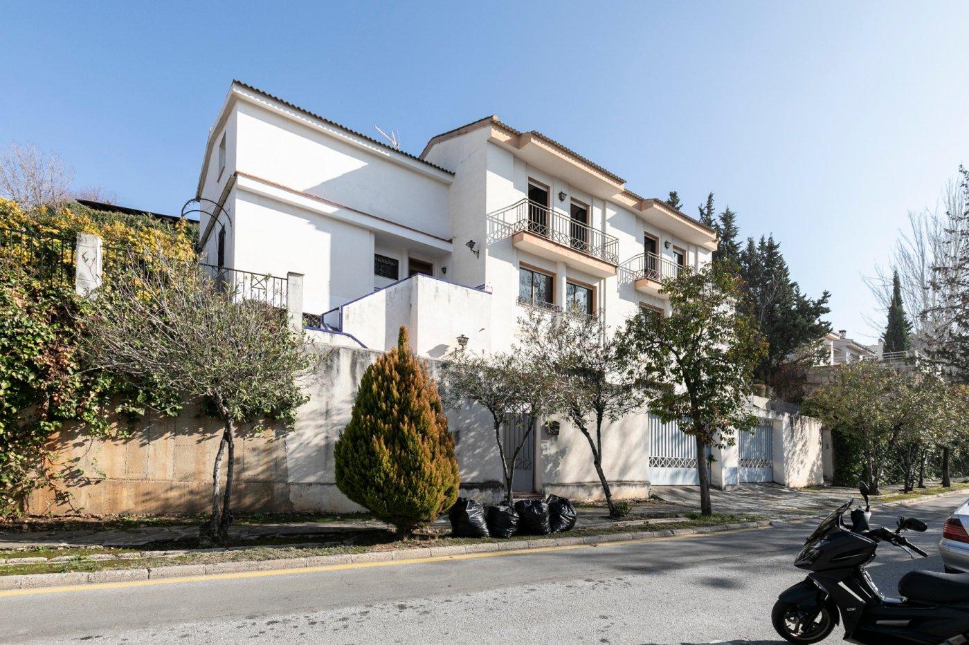 Gran casa con segregación en trámites y posibilidad de venta individualizada