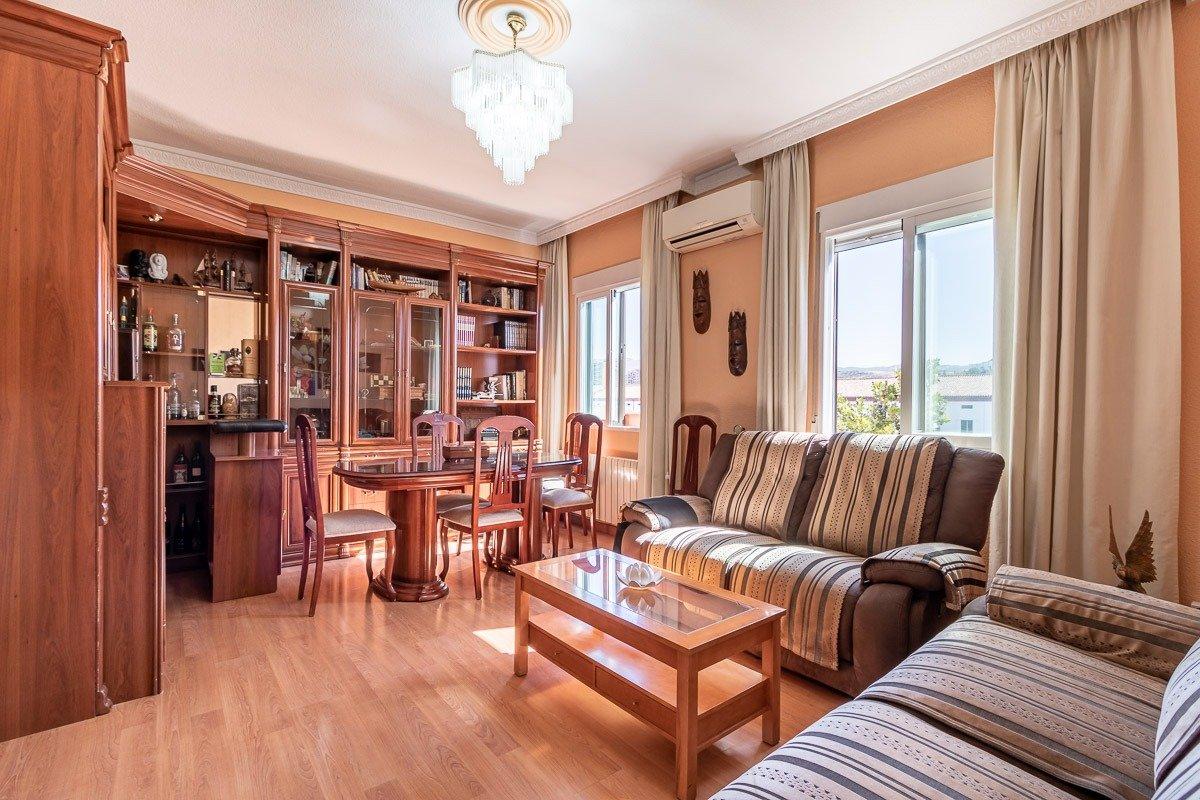 Bonito piso para entrar a vivir en avenida pulianas