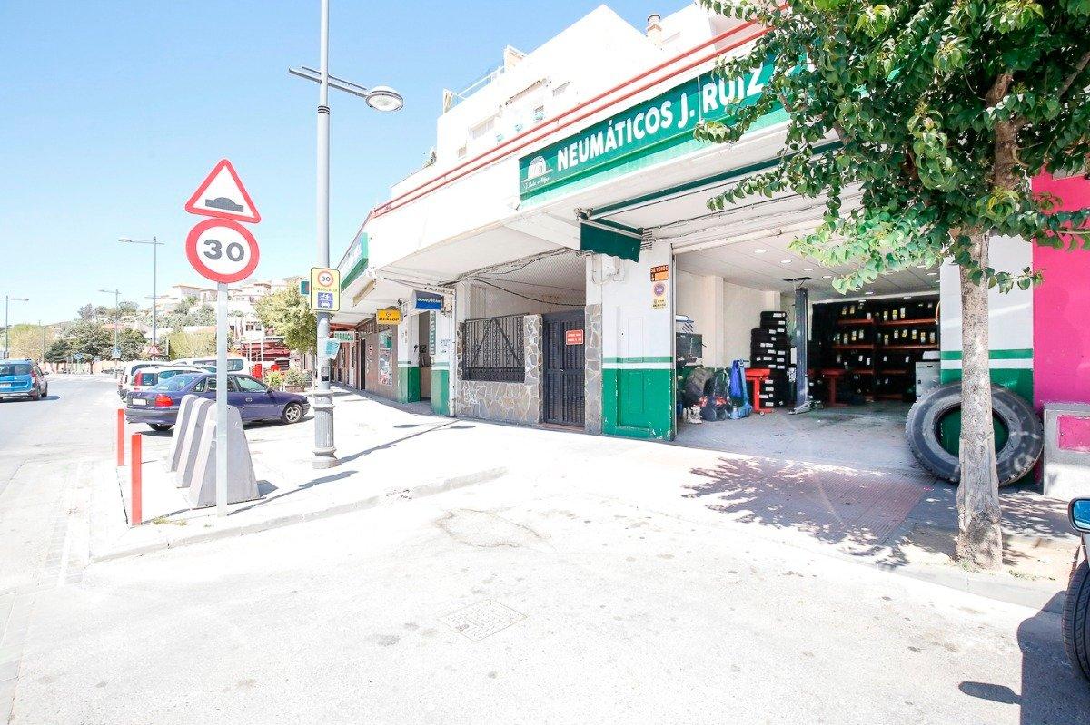 LOCAL COMERCIAL EN LA ENTRADA DE CENES, Granada